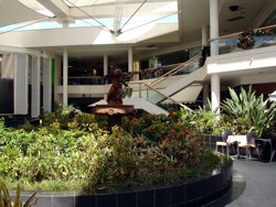 Ground floor of Marina Mirage Shopping Centre before the 2009 refurbishment