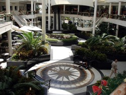 Marina Mirage shops before the 2009 refurbishments