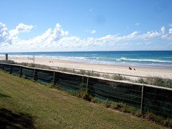 View of Surfers Paradise beach from Elkhorn Avenue looking north.